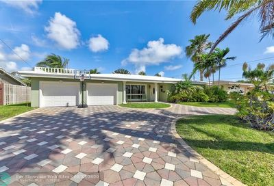 551 SE 13th Ct Pompano Beach FL 33060