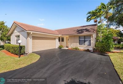 9501 Shadow Wood Ln Coral Springs FL 33071