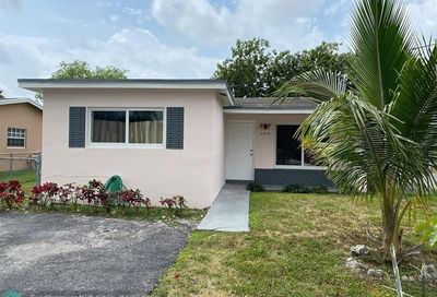 6900 SW 18th Ct North Lauderdale FL 33068