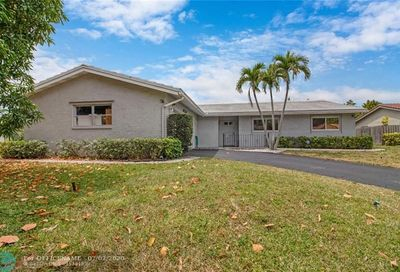 3820 NW 83rd Ter Coral Springs FL 33065
