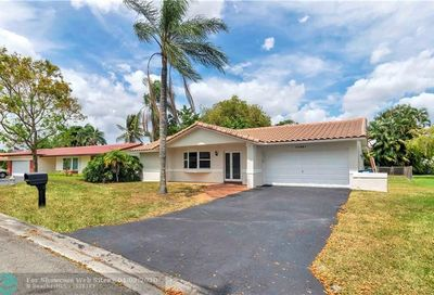 11221 NW 41st Ct Coral Springs FL 33065
