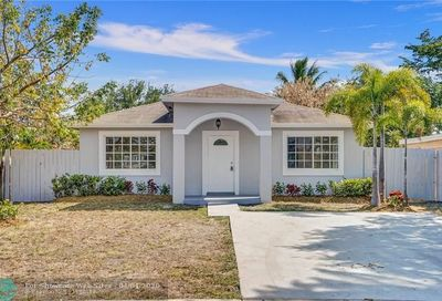 348 NW 40th Ct Oakland Park FL 33309