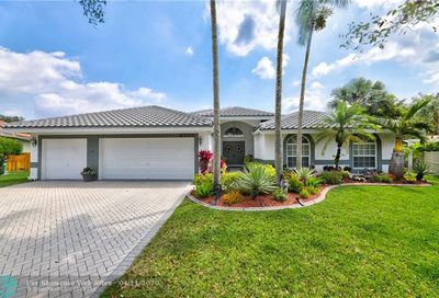 4255 NW 67th Ter Coral Springs FL 33067