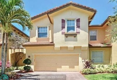 5826 NW 119th Ter Coral Springs FL 33076
