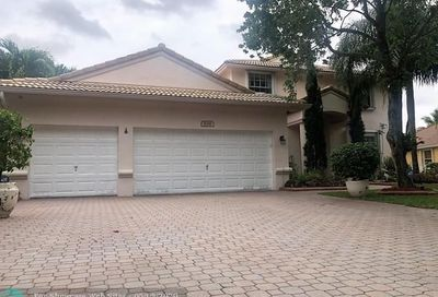 5041 NW 57th Ter Coral Springs FL 33067