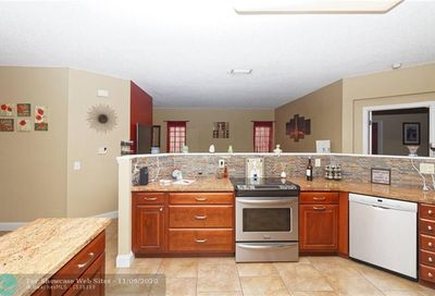 6307 NW 39th Ct Coral Springs FL 33067