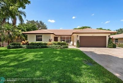 8477 NW 47th Dr Coral Springs FL 33067