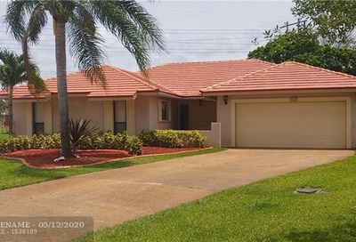 7002 NW 40th Pl Coral Springs FL 33065