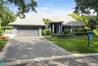 5536 NW 89th Way Coral Springs FL 33067