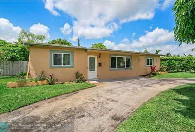 4400 NW 30th Ct Lauderdale Lakes FL 33313