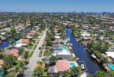 110 SE 12th Ct Pompano Beach FL 33060