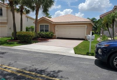 11612 NW 52nd Ct Coral Springs FL 33076