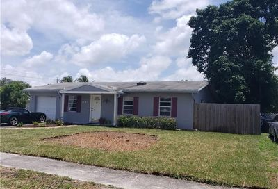 301 SW 80th Ter North Lauderdale FL 33068