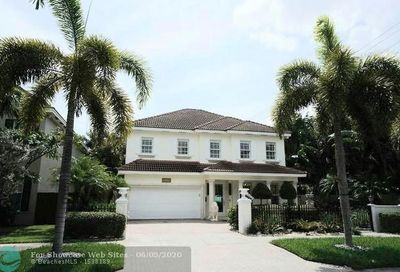 2108 NE 1 Ave Wilton Manors FL 33305