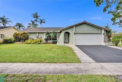 9890 NW 25th Ct Coral Springs FL 33065