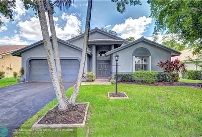 10319 NW 48th Ct Coral Springs FL 33076