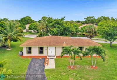 3807 Set Dr Lake Worth FL 33467