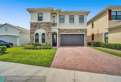 8890 NW 37th Dr Coral Springs FL 33065
