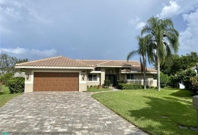 4967 NW 105th Dr Coral Springs FL 33076