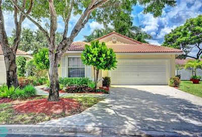 11013 NW 46th Dr Coral Springs FL 33076
