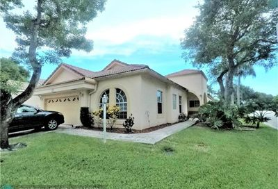 5050 NW 95th Dr Coral Springs FL 33076