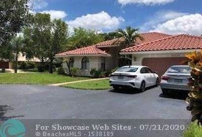 5033 NW 99th Ter Coral Springs FL 33076
