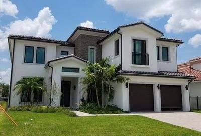 5705 Brookfield Cir Hollywood FL 33312