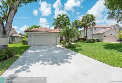 7593 NW 47th Ter Coconut Creek FL 33073
