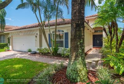 4780 NW 122nd Dr Coral Springs FL 33076