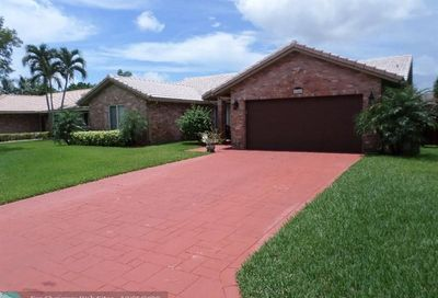 654 NW 111th Ter Coral Springs FL 33071