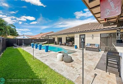 4635 NW 59th Way Coral Springs FL 33067