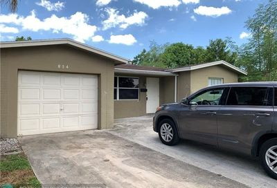 824 SW 64th Ter North Lauderdale FL 33068