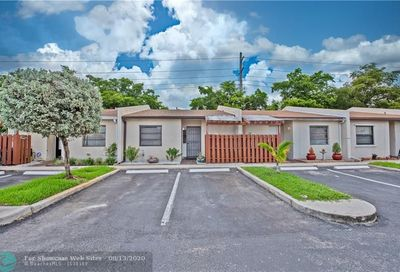 1751 NW 92nd Ave Pembroke Pines FL 33024