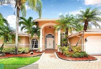 5043 NW 102nd Dr Coral Springs FL 33076