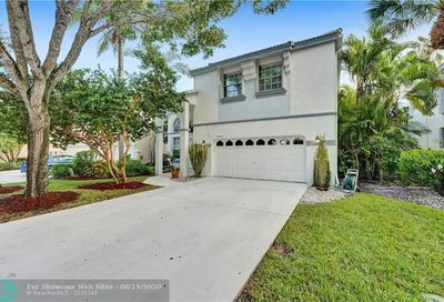 10689 NW 48th St Coral Springs FL 33076