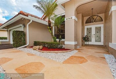 4749 NW 98th Ln Coral Springs FL 33076