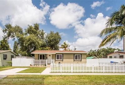 6405 Perry St Hollywood FL 33024