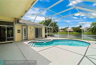 6413 Mallards Ln Coconut Creek FL 33073