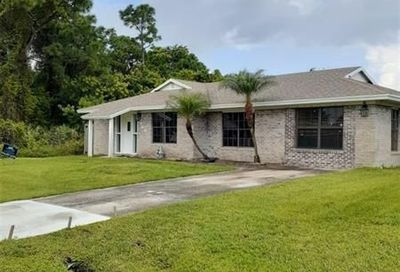 2149 SE Trillo St. Port Saint Lucie FL 34952