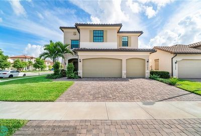 11795 Waterway Cir Parkland FL 33076