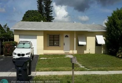 304 SW 80th Ave North Lauderdale FL 33068