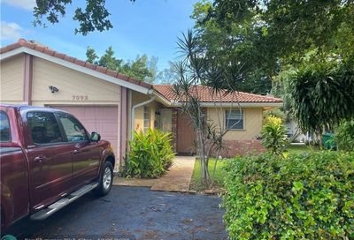 7892 NW 44th Ct Coral Springs FL 33065