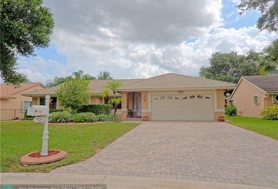 9214 NW 44th Ct Coral Springs FL 33065