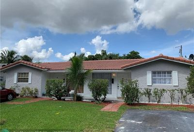 4380 NW 79th Ter Coral Springs FL 33065