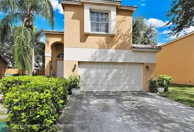 5861 Eagle Cay Cir Coconut Creek FL 33073