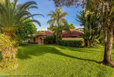 10261 SW 40th St Davie FL 33328