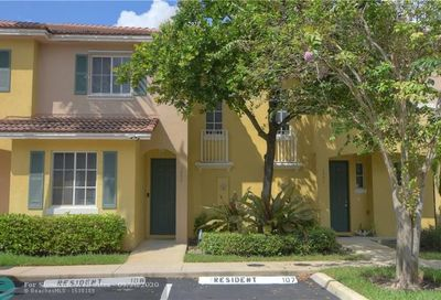 1953 SW 60th Ter North Lauderdale FL 33068
