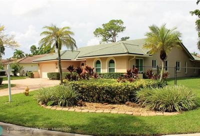 8505 NW 49th Dr Coral Springs FL 33067