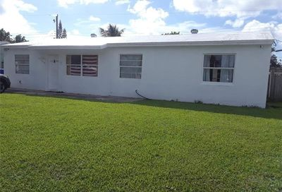1810 SW 68th Ave North Lauderdale FL 33068