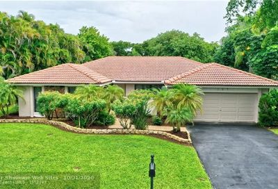 157 NW 89th Ter Coral Springs FL 33071